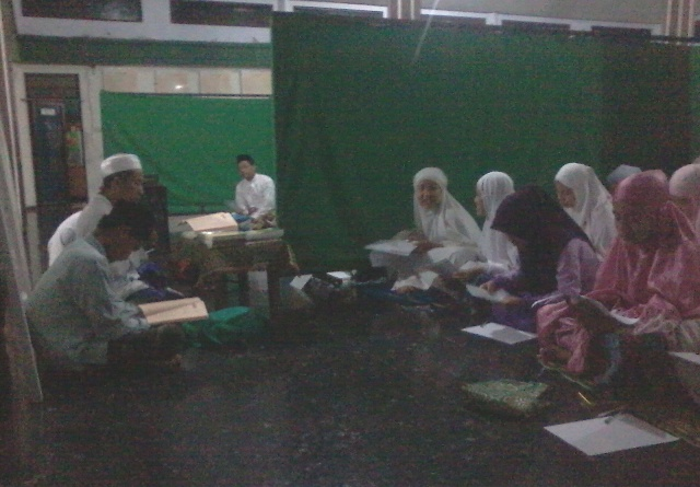 Al-Hambra Darul Ulum Ajari Cepat Kuasai Kitab Kuning