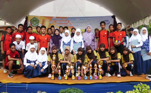 MTsN Bawu Juarai Kompetisi Sains dan Teknologi