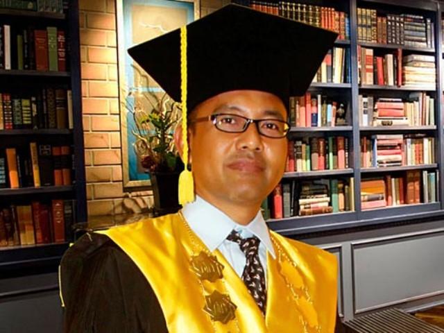 Hasil gambar untuk Prof Akh. Muzakki, M.Ag., Grad.Dip.SEA., M.Phil., Ph.D.