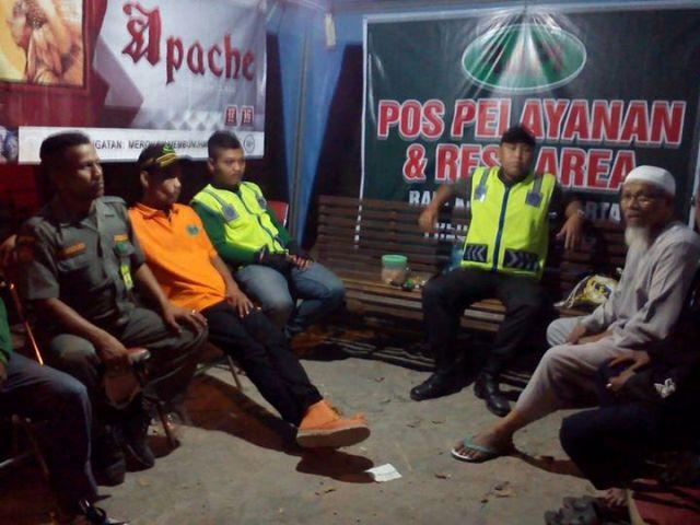 Manfaatkan Radio, Posko GP Ansor Solo Layani Informasi Arus Mudik