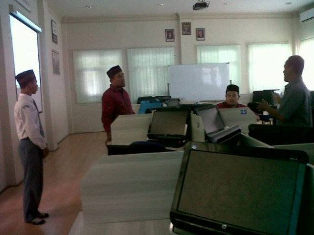 Tingkatkan Kualitas Akademik, SMK Walisongo Lakukan Studi Banding