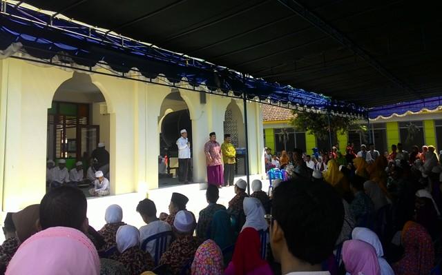 Santri Pandanaran dan Keluarga Lepas Calhaj dengan Mujahadah