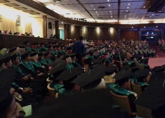 Dirjen Pendis Sampaikan Orasi Ilmiah di Wisuda IV STAINU Jakarta