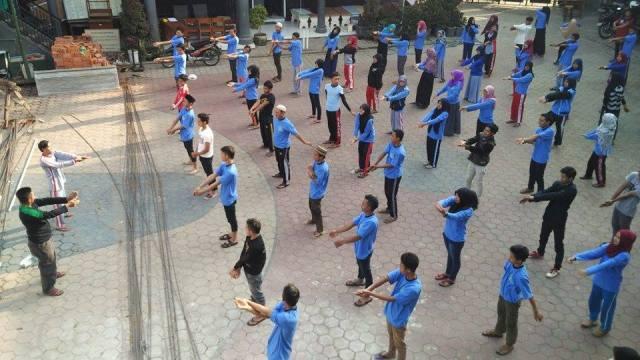 Pelajar NU Pujon Berdoa Untuk Indonesia Damai dan Almarhum Salim Kancil