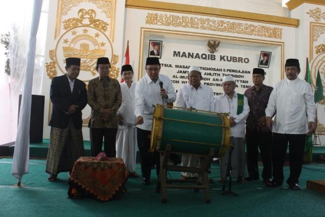 Ratusan Ulama Thariqah Ikuti Manakib Kubro dan Bahtsul Masail