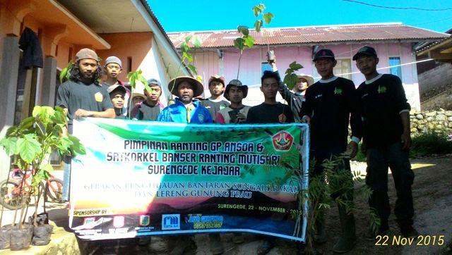 50 Banser Mutisari Tanam 1000 Pohon di Lereng Gunung Prau