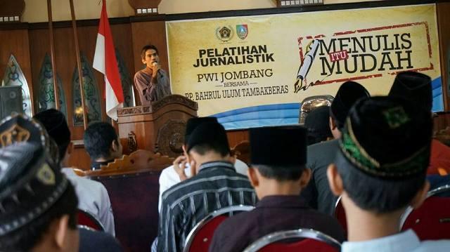 Puluhan Santri Tambakberas dan Tebuireng Masuk Kelas Jurnalistik