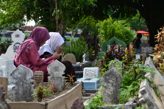 Ganjaran Ziarahi Makam Orang Tua