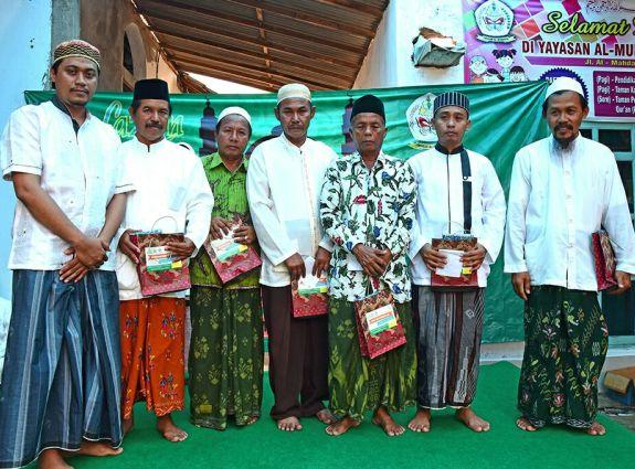 Peringati Maulid, TPQ Al-Mubarok Sumenep Apresiasi Guru Ngaji