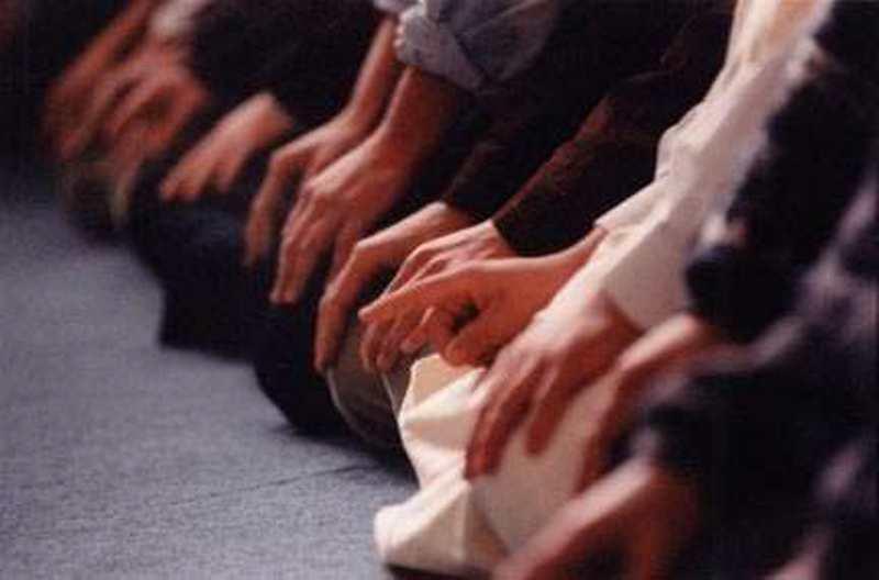 Lupa Jumlah Rakaat, Baru Ingat Setelah Salam