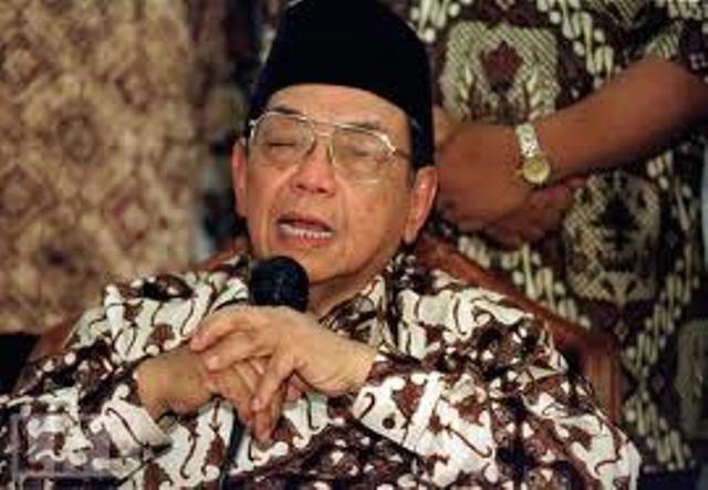 Pemilik Naga Atoin Meto Kupang Terima Kasih untuk Gus Dur