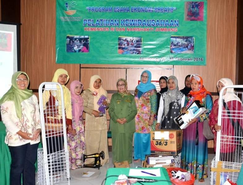 Tingkatkan Potensi Kaum Perempuan, Muslimat NU Jombang Gelar Pelatihan Usaha Kreatif