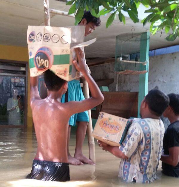 Bantu Korban Banjir, Kader Muda NU Sampang Dirikan Posko
