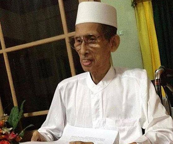 Sepotong Kisah Zuhudnya KH Zainal Abidin Munawir