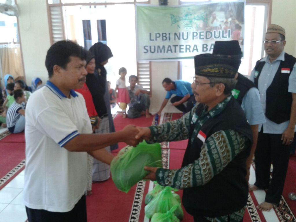 LPBINU Salurkan Bantuan untuk Korban Banjir di Kota Padang