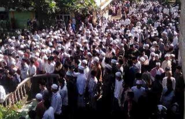 Ribuan Orang Iringi Pemakaman Rais Syuriyah PCNU Bogor