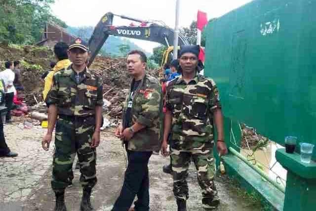 GP Ansor Sumedang Ikut Lakukan Penyisiran Korban Bencana
