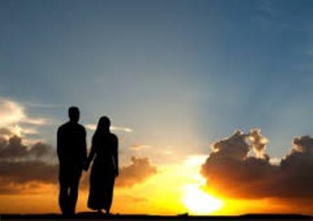 Hukum Bercumbu Memakai Kondom Ketika Istri Haid