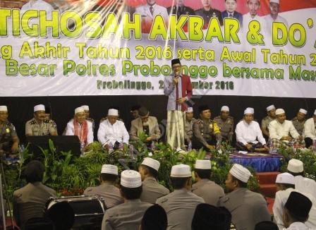 Ratusan Santri dan Polisi Istighotsah Akbar dan Doa Bersama