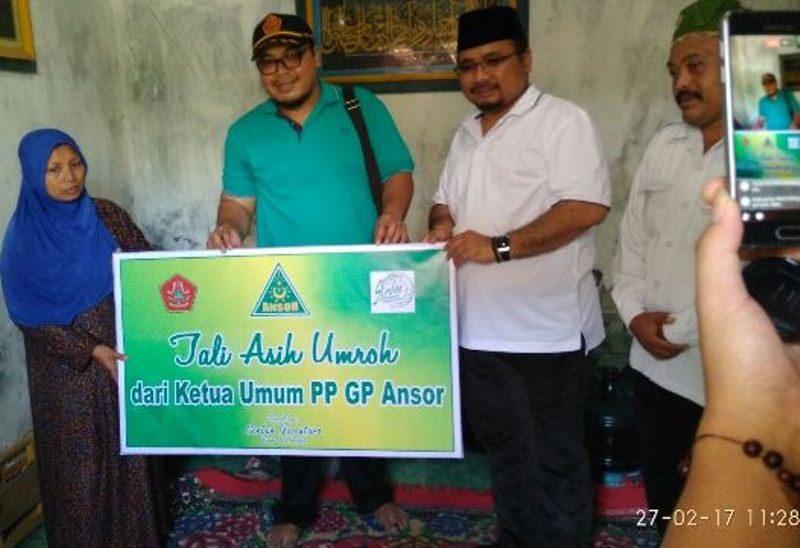 PP GP Ansor Umrahkan Janda Almarhum Ketua Ranting