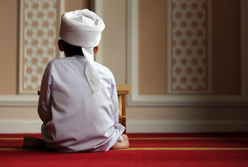 Bolehkah Shalat Sunnah Sambil Duduk?