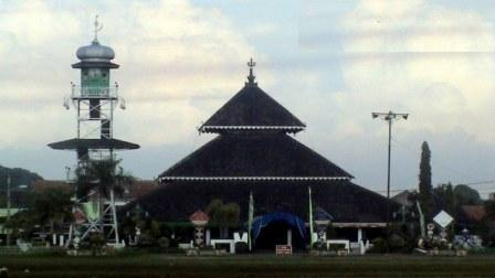 Arsitektur Lokal Masjid Kita