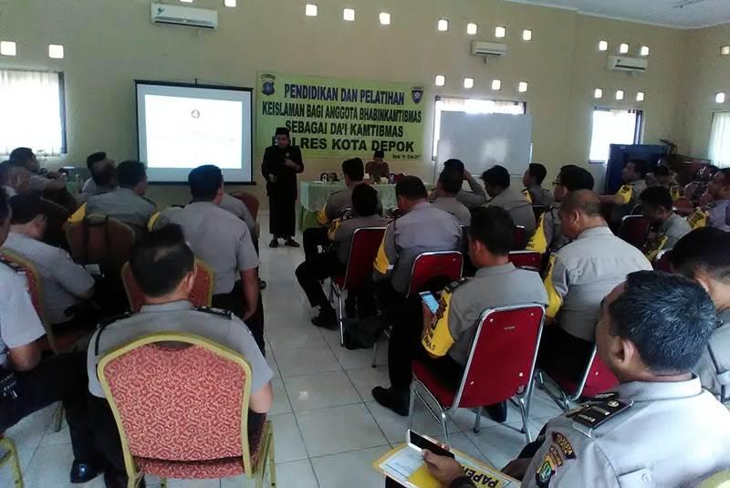 Polresta Depok Libatkan NU Pada Pendidikan Dakwah Puluhan Anggota Polisi