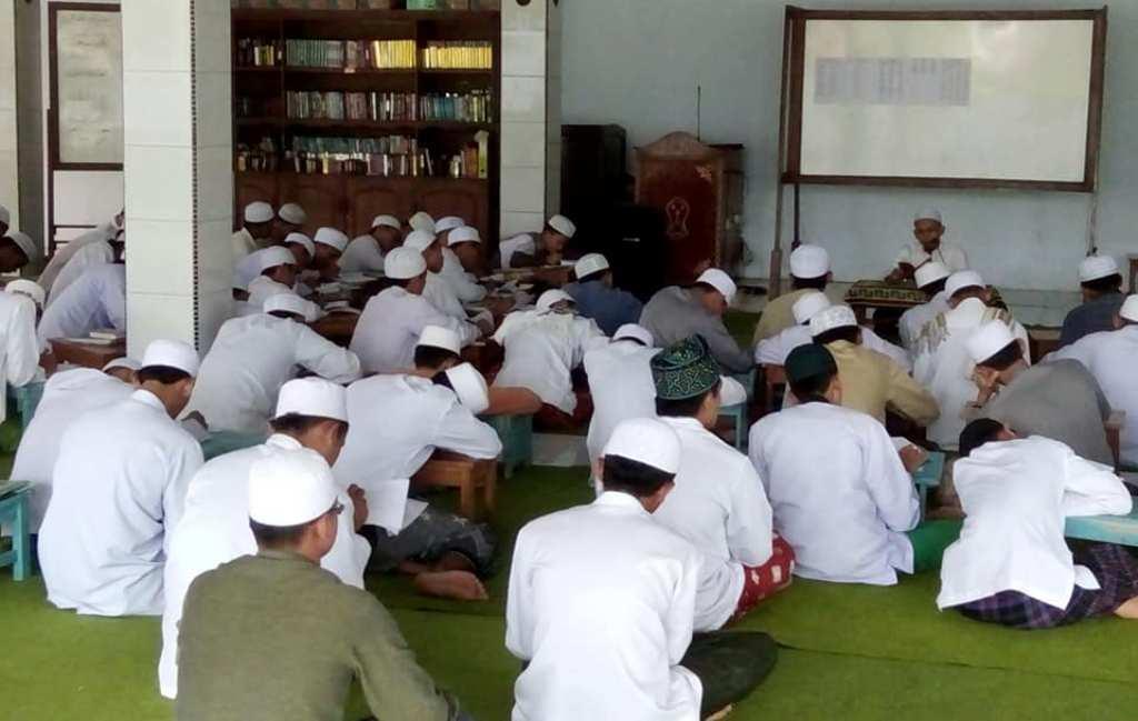 Pesantren Darussalam Kaji Empat Kitab Selama Ramadhan