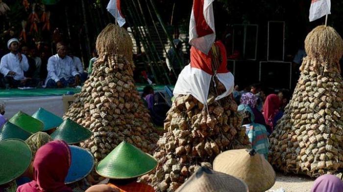 Memahami Kearifan Tradisi-tradisi Lokal