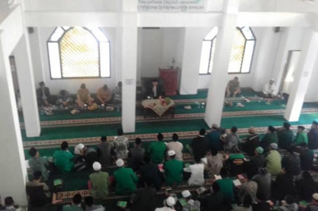 Ajengan Se-Kabupaten Garut Hadiri Ijazah Kitab Al-Muqtatofat