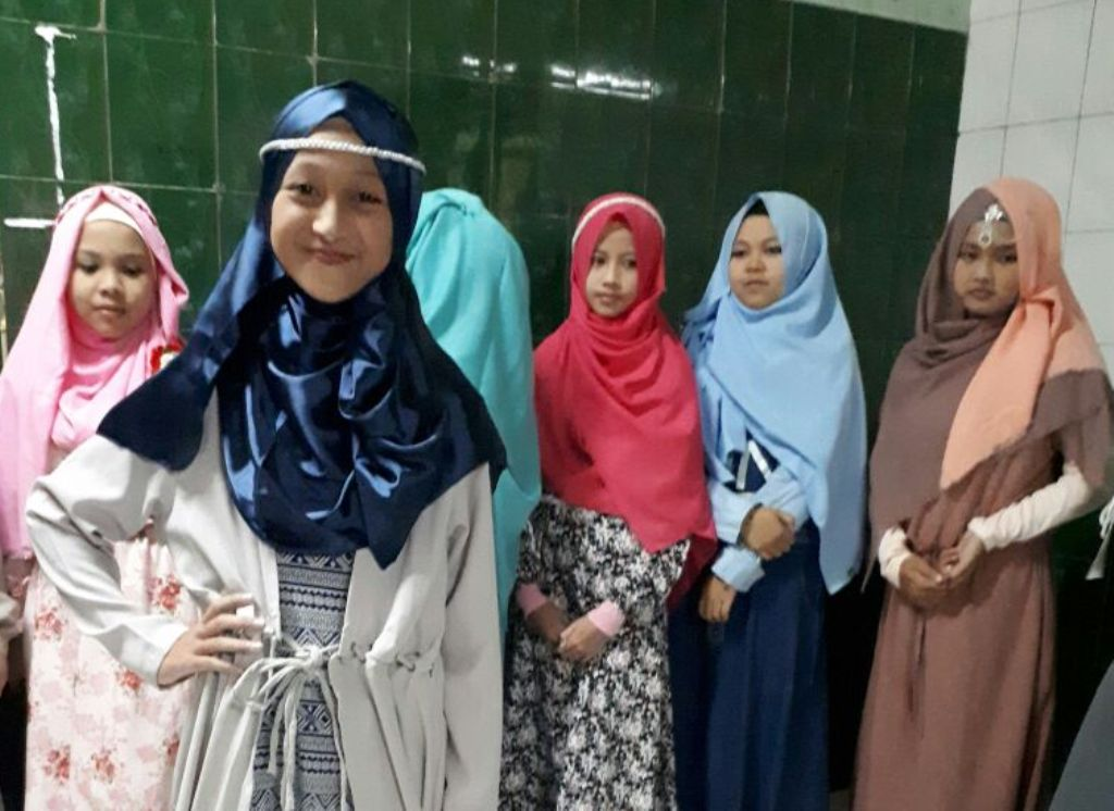 Peringati HUT RI, Santri Putri Al-Hikamussalafiyyah Gelar Perlombaan Hijabers