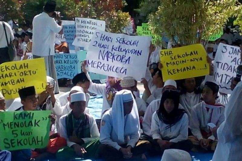 PWNU Jakarta: Kebijakan Full Day School Jelas Matikan Madrasah Diniyah