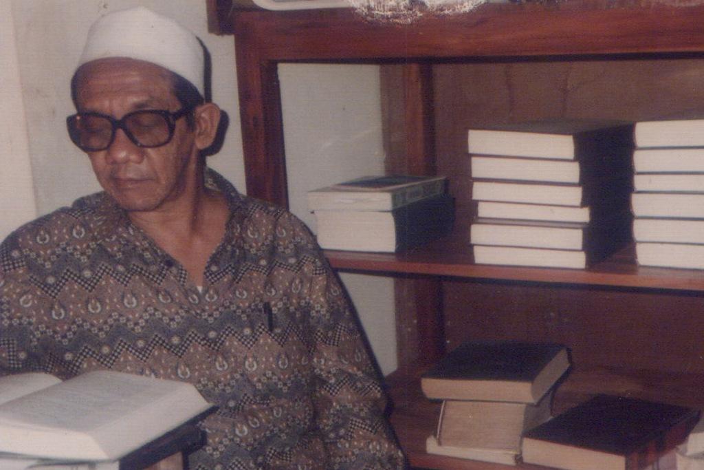 KH Harits Dimyathi, Kitab Sejarah dari Tremas
