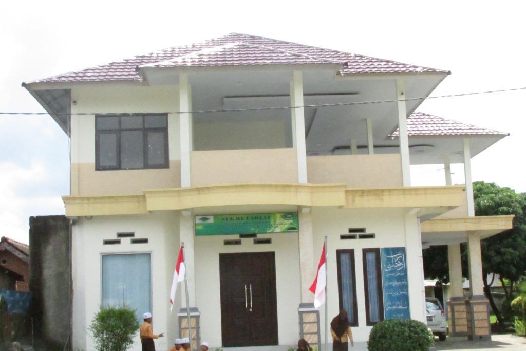 Mengenal Pesantren Darul Hikmah Kota Mataram