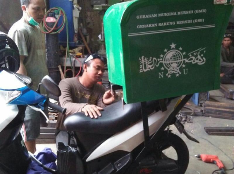 Muharrik Masjid NU Kota Bandung Sediakan Layanan Antar-Jemput Mukena dan Sarung Bersih