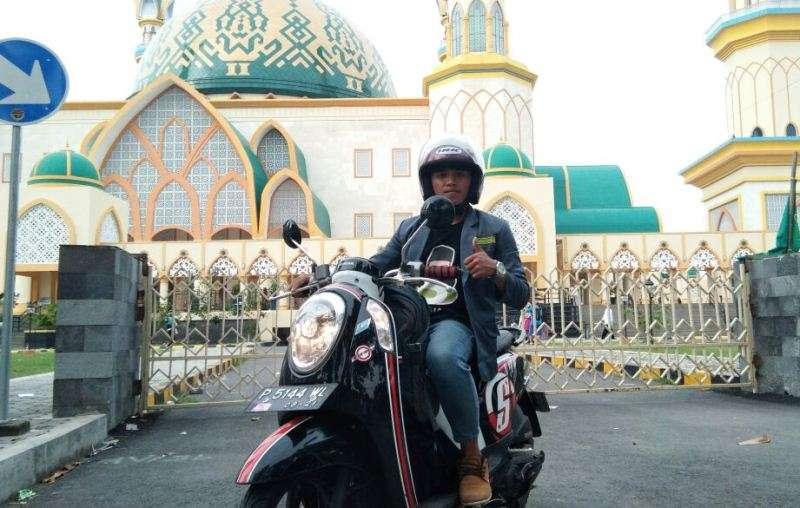 Hadiri Munas-Konbes NU, Ketua Ranting IPNU Patoman Ini Naik Motor Banyuwangi-Lombok