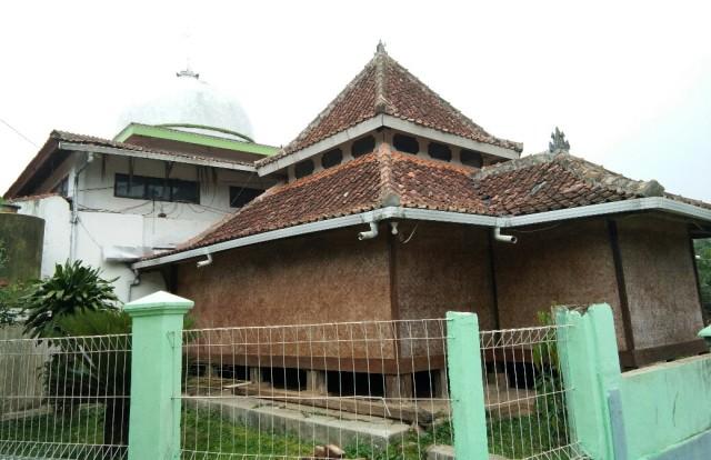 Menengok Masjid Syekh Ja'far Shidiq Garut yang Berusia Ratusan Tahun
