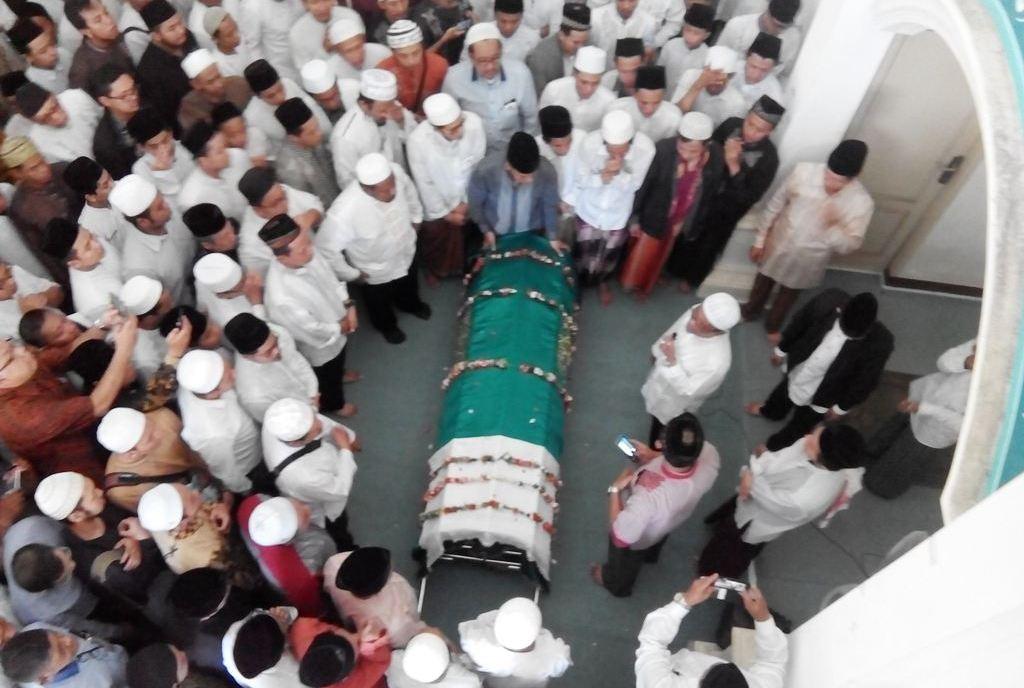 Beda Letak Kepala Jenazah Laki-laki dan Perempuan saat Dishalati