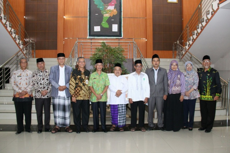 OJK Lampung Jajaki Pengembangan Ekonomi Syariah di Pringsewu