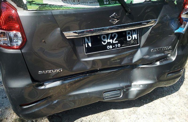 Mobil Nyai Hasyim Muzadi Kecelakaan di Bojonegoro