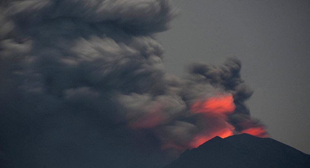 doa doa saat gunung meletus
