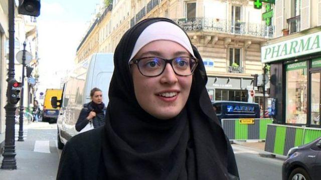 Ketika Mahasiswi Berjilbab Tanggapi Kecaman Pemerintah Prancis