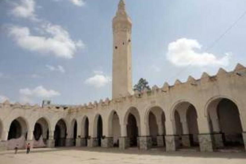 Tarawih 100 Rakaat di Yaman