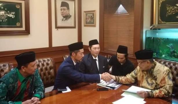 Alasan Dua Warga Jepang Masuk Islam di PBNU