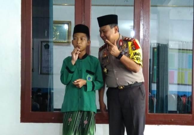 Kapolda Lampung Beri Kejutan Santri Hafal Yasin