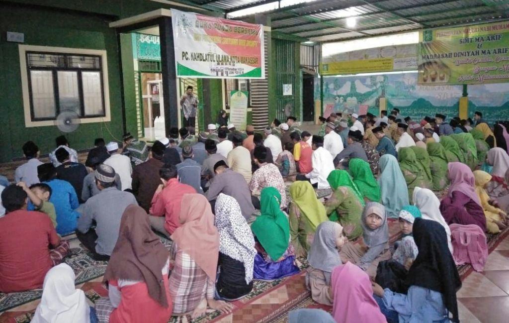 PCNU Makassar Beri Santunan Anak Dhuafa