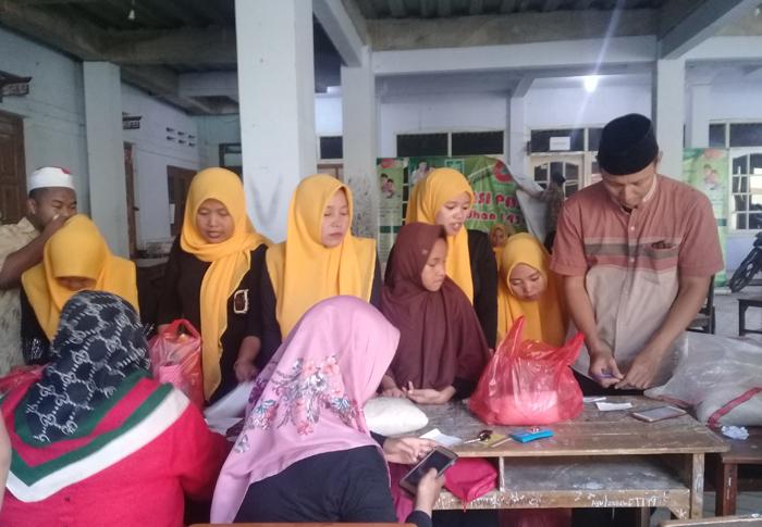 Pasar Murah LPNU Cirebon Ramai Dikunjungi Nahdliyin