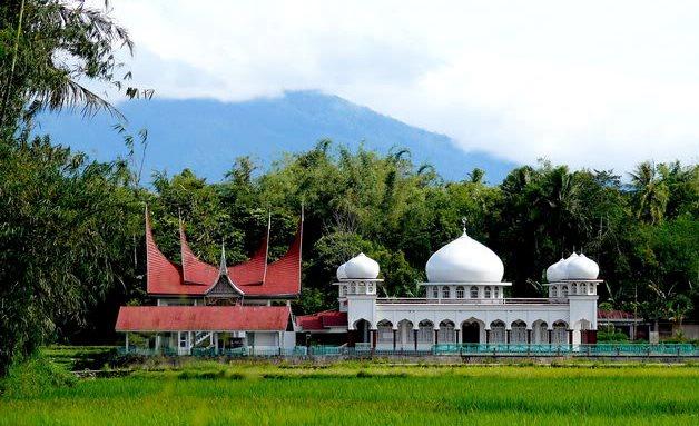 Hasil Riset Kemenag soal Islam Nusantara di Minangkabau dan Jawa