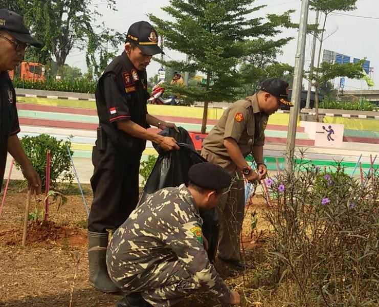 Sambut Asian Games, Banser Jakbar Bersih-bersih di RPTRA Kalijodo