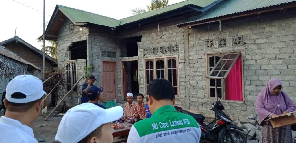 Bersama Bupati, LAZISNU NTB Salurkan Bantuan Warga Terdampak Gempa
